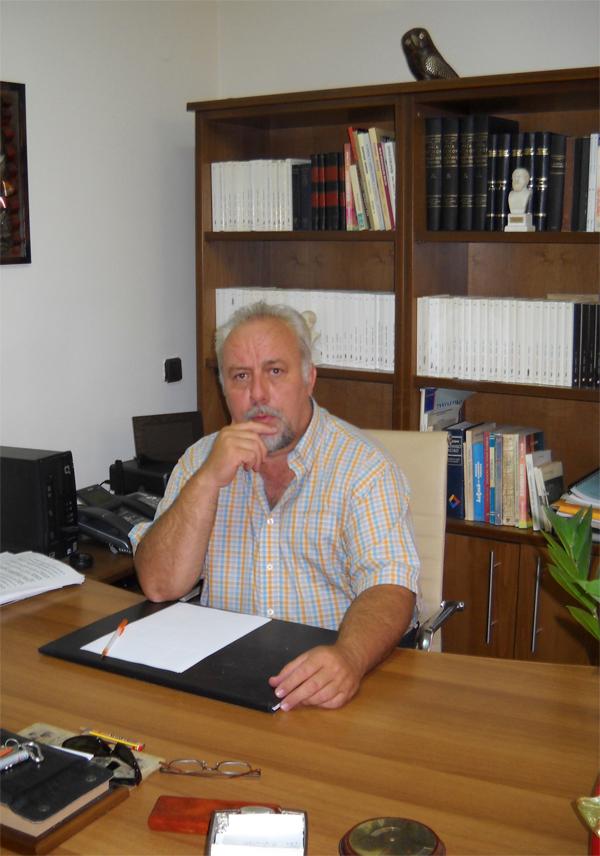 kats_dioikisi φροντιστήρια Θεωρητικής Κατεύθυνσης Κώστας και Δήμητρα Κατσακιώρη